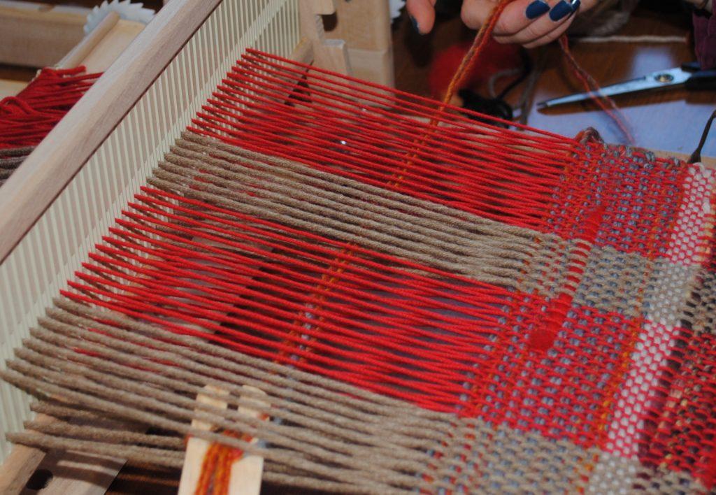 Initiation au tissage sur métier à tisser Pénélope et réalisation d'une écharpe